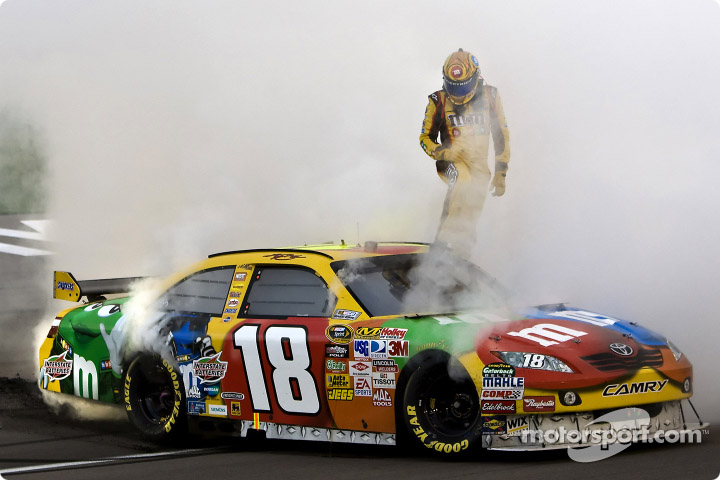 Kyle Busch looks for more success at Las Vegas Motor Speedway