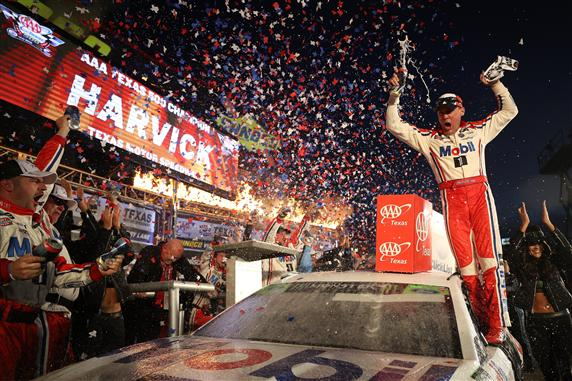 After Texas Win, Kevin Harvick Makes Championship 4 for a 4th time