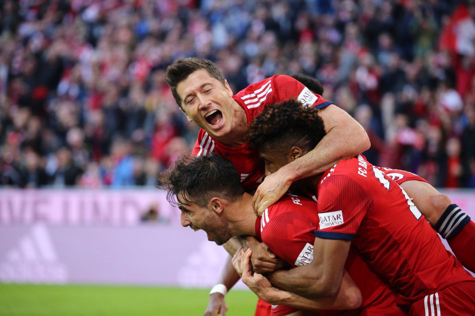 Bayern Overwhelm Dortmund