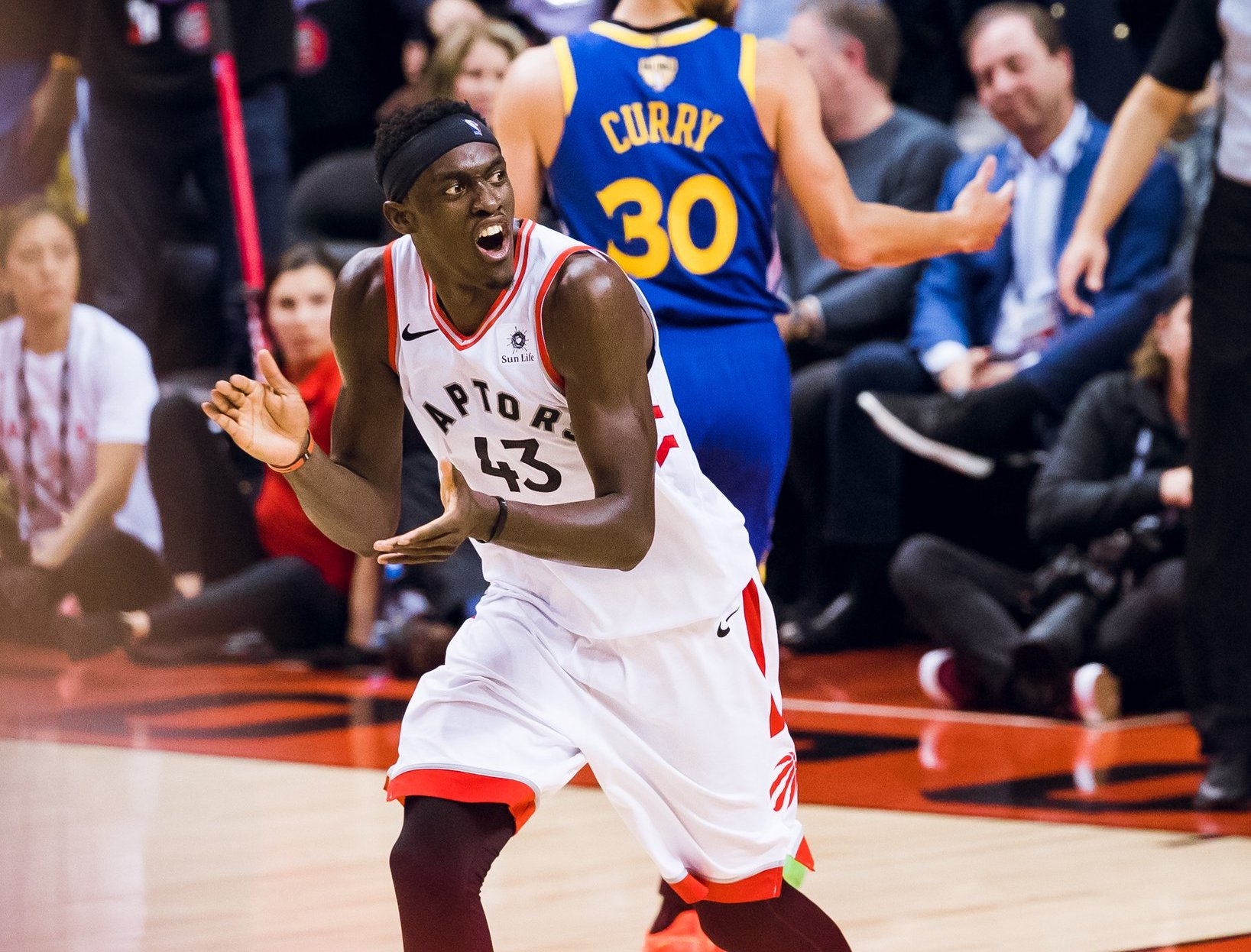 Siakam Leads Raptors Past Warriors In Game One