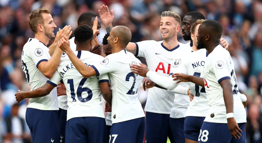 Harry Kane Double Helps Spurs Defeat Villa