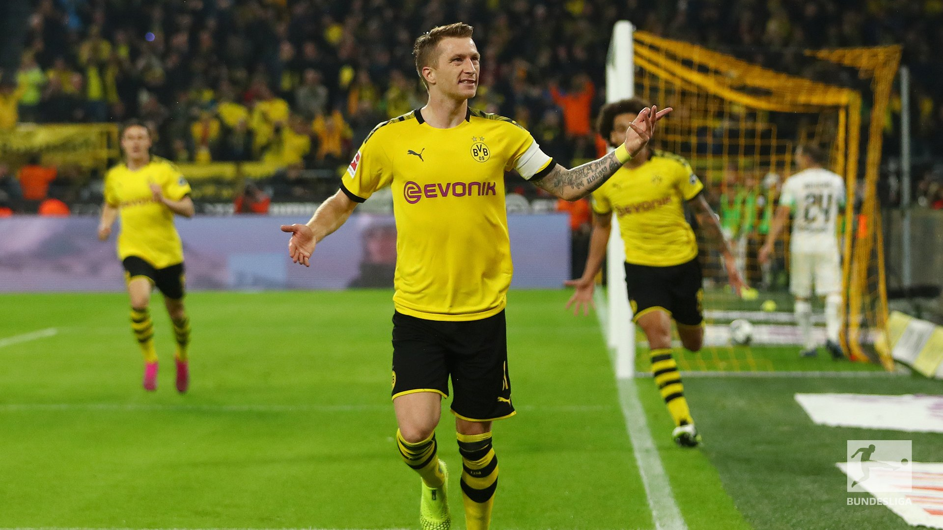 Marco Reus Strike Helps Dortmund Defeat Gladbach