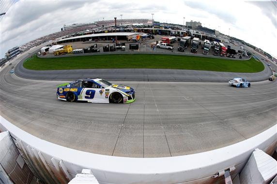 Chase Elliott Looks to Defend Win at Monster Mile