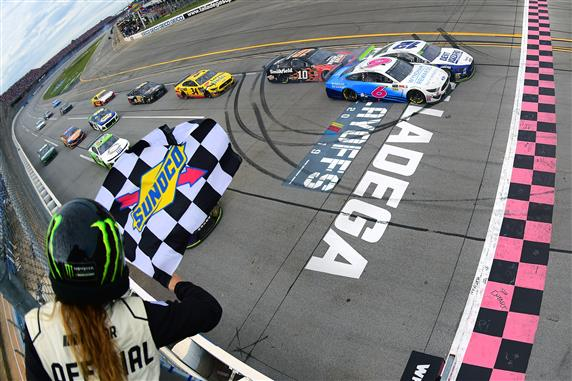 Ryan Blaney Survives Bonkers Talladega Playoff Race