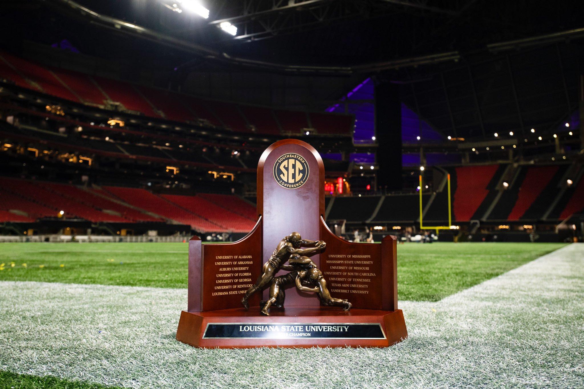 #2 LSU Trounces #4 Georgia To Win SEC Championship