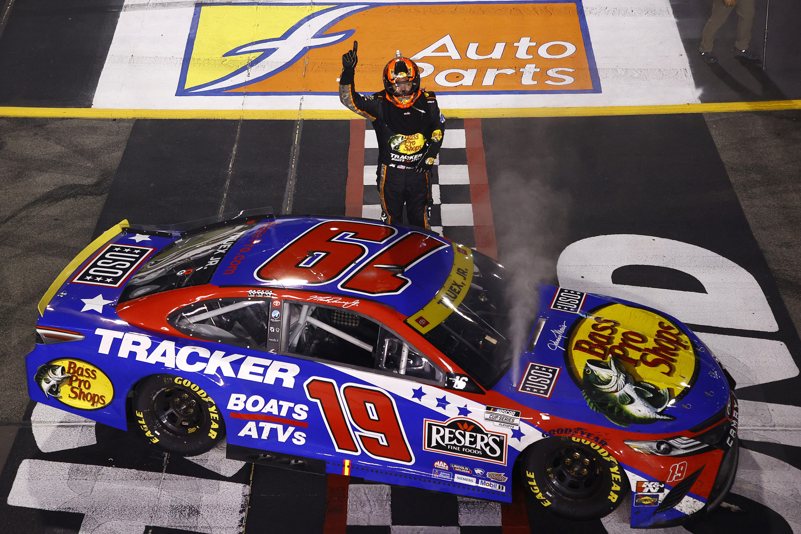 Truex Onto the Round of 12 with Richmond Victory